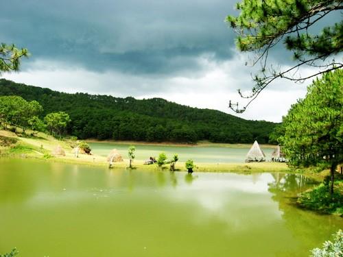 Hình ảnh hồ Đan Kia