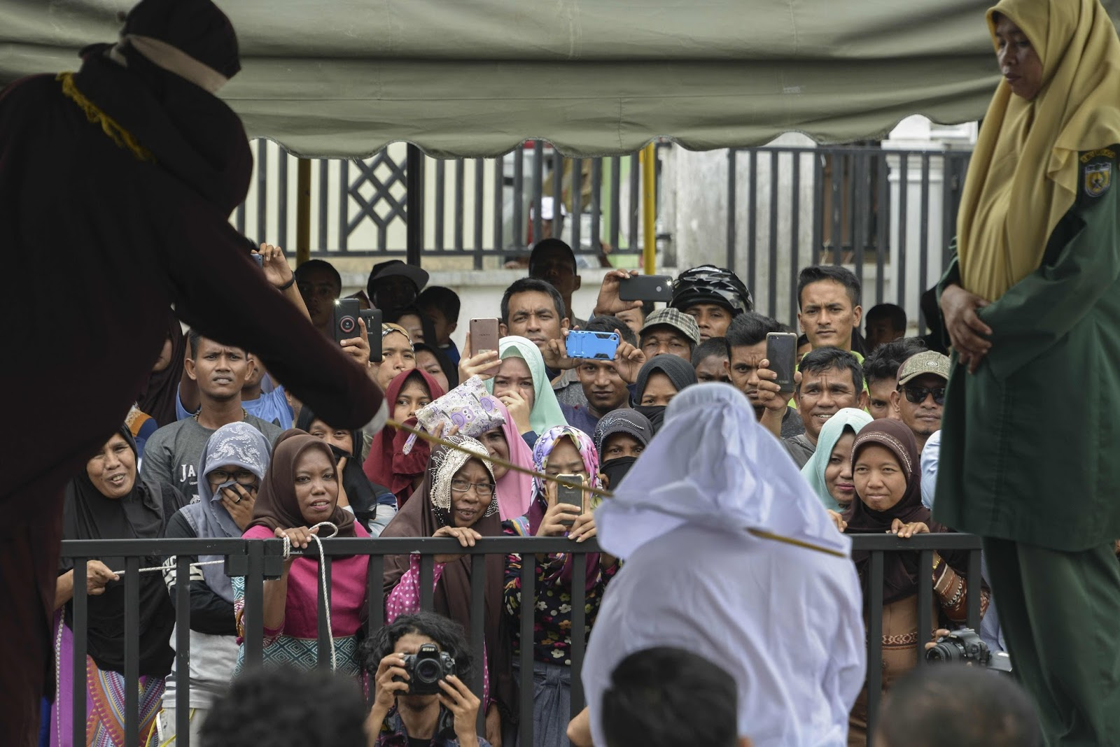 indonesian christians flogged playing kids video game