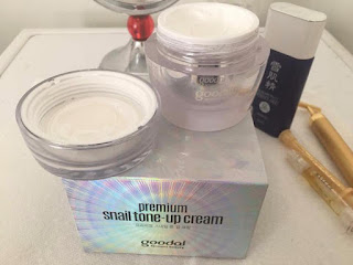 Cách dùng kem dưỡng Goodal Premium Snail Tone Up Cream