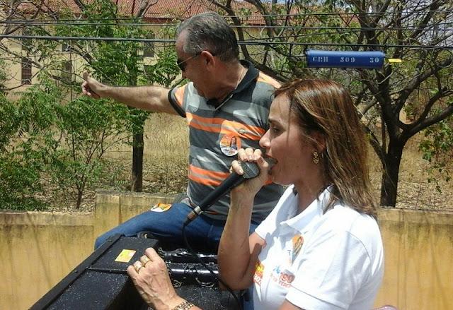Carreta de Lauro Maia e Ana Cláudia agitou Catolé do Rocha na manhã deste domingo (16)
