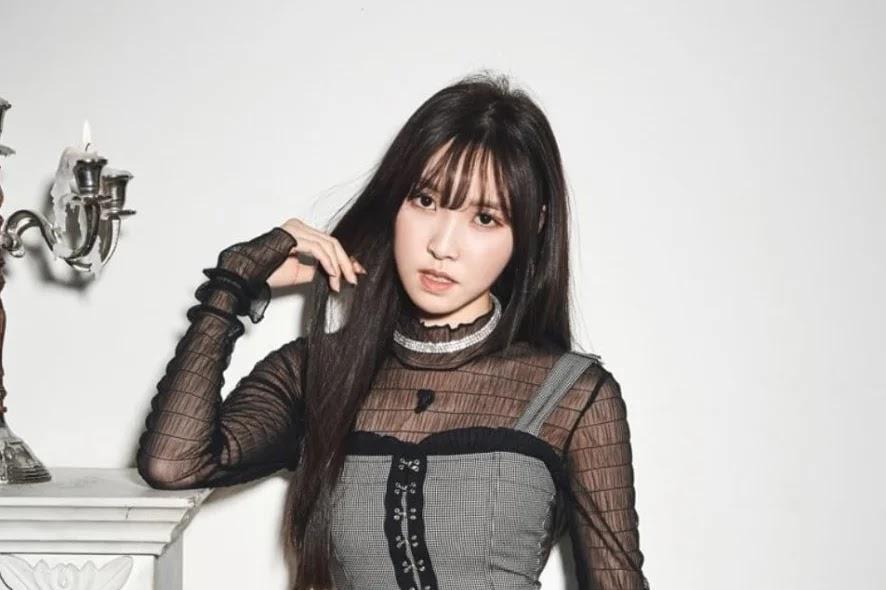 9 Idola K-Pop Ini Punya Kebiasaan Minum Yang Unik