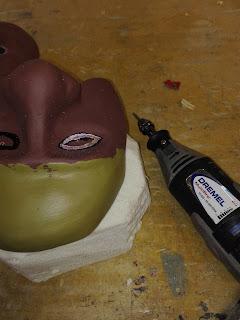 Heidididit. commedia dell`arte naamion valmistaminen