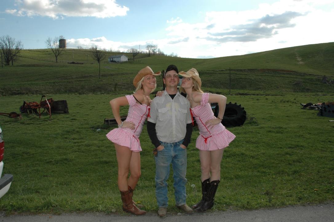a8a9f185514 I ll dress up to meet a real life cowboy somewhere in rural Virginia.