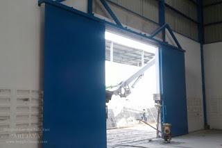 jasa pembuatan pintu gudang pabrik sidoarjo