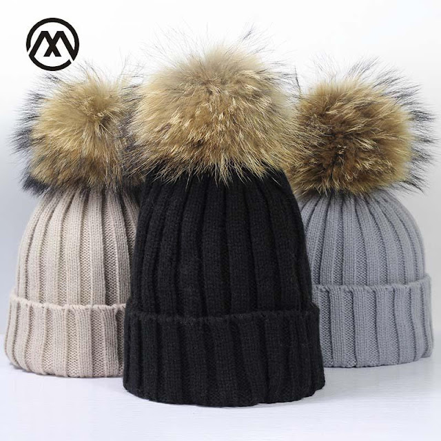 Women's Pom Pom Winter Beanie