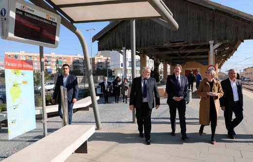 Ximo Puig anuncia que el TRAM d'Alacant contará con una nueva línea que unirá de forma directa la Playa de San Juan y Puerta del Mar de junio a septiembre