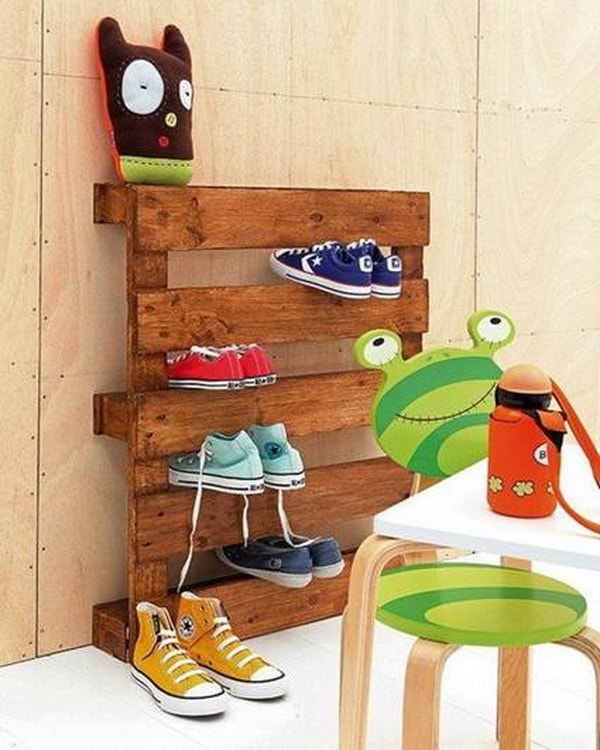 Things you can do with recycled pallets 4