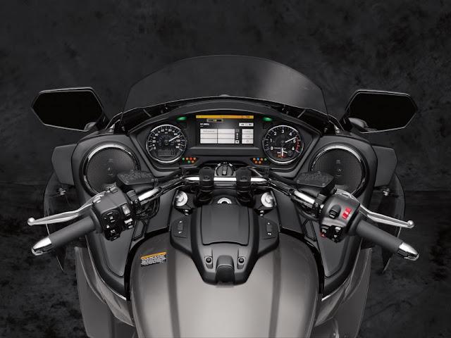 Yamaha Star Venture 2017 Bakal Saingi Honda Gold Wing