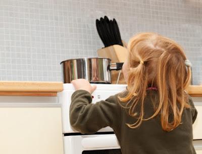 Como manter crianças seguras na cozinha