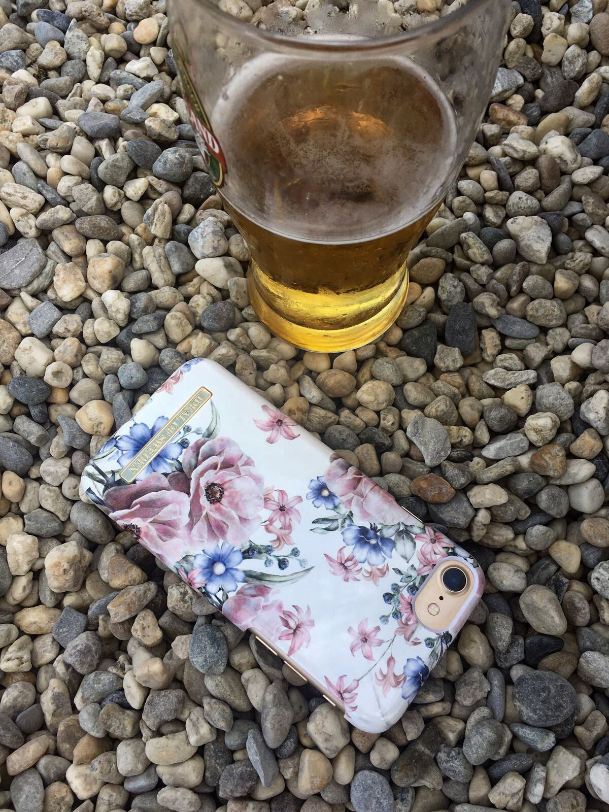 the fashionable phone cases you need to have this summer, ideal of Sweden , Valentina rago, fashion need blog, fashionable phone cases, iPhone 7 cover, cover iPhone, cases phone summer, fashionable phone cases for this summer