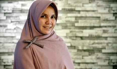 desainer muslimah Irna Mutiara hijab syari