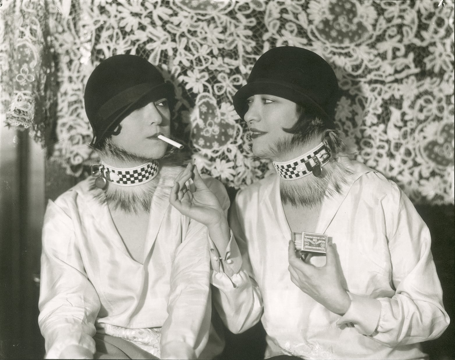 37 Vintage Portrait Photos Of The Dolly Sisters Scandalous Vaudeville Performers From The Jazz