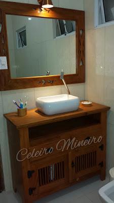 Celeiro Mineiro Móveis Rústicos: arcaz com cuba de sobrepor e espelho para banheiro