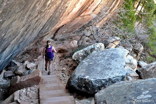 Natural Bridges National Monument loop trail