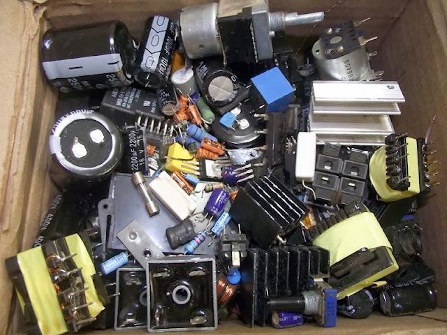 Caixa de componentes eletronicos