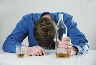 Почему не стоит заниматься самолечением алкоголизма?