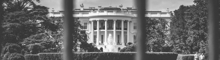 Gray scale picture of the US White House