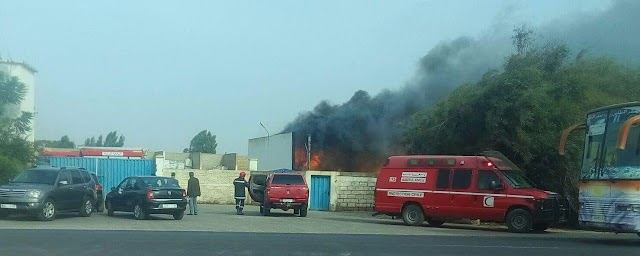 حريق بمخزن للمتلاشيات يستنفر السلطات وحضور عامل برشيد لعين المكان