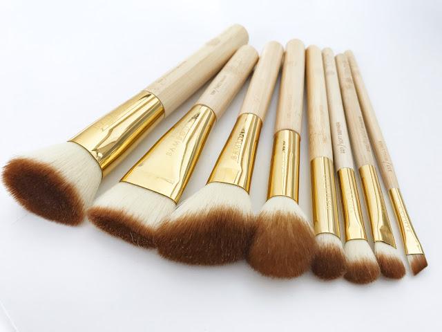 Mój makijażowy niezbędnik wegański zestaw Zoeva Bamboo Luxury Set Vol. 2 porządny zestaw pędzli zoeva bambuski make up akcesoria do makijaż syntetyczne włosie naturalne wykończenie podkład złote pędzle tuba kosmetyczka pracyzyjny Makeup Sephora