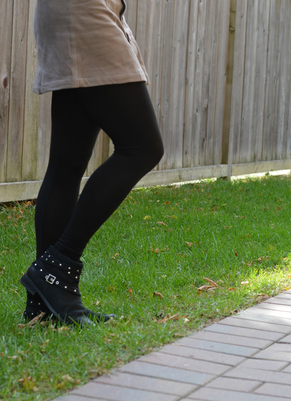 How to Wear Ankle Boots (Plus COMFY Options)