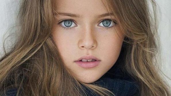 974f1bb0269 To όνομα αυτής Kristina Pimenova και ούσα μόλις 9 χρονών, μπορεί να βάλει  στο βιογραφικό της συνεργασίες με τρανά ονόματα στο χώρο της μόδας όπως  Roberto ...