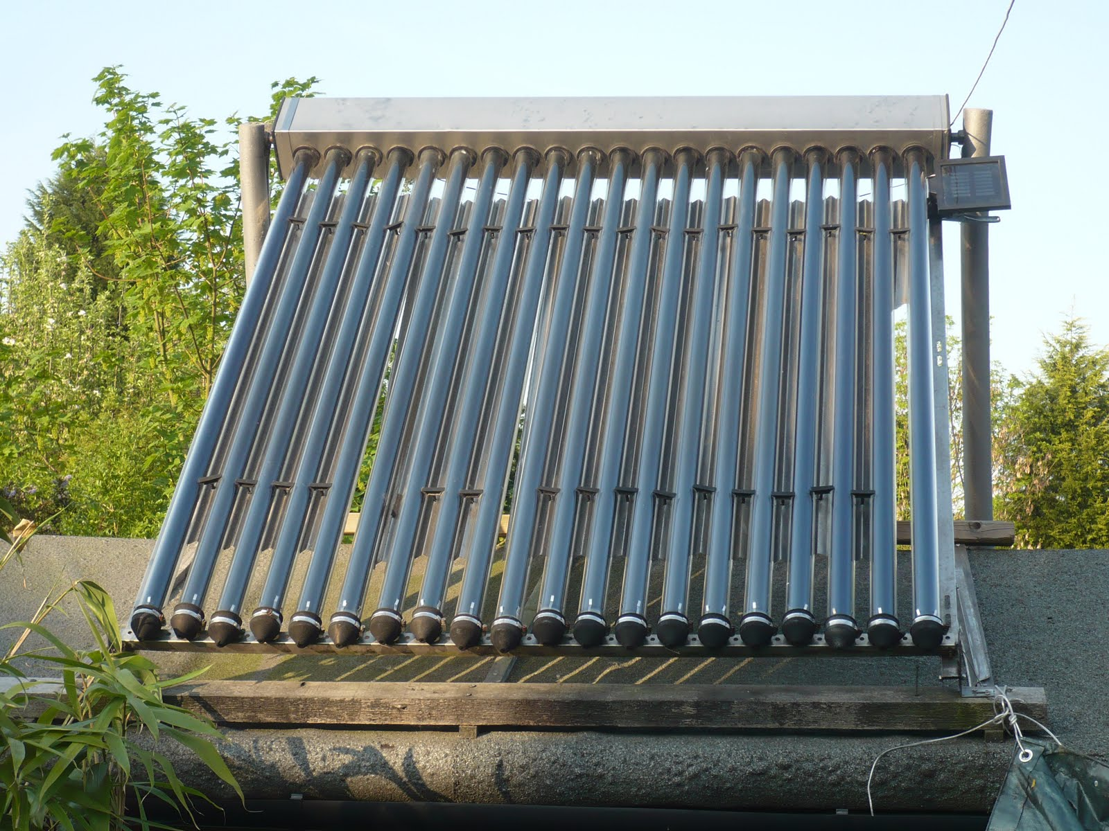 Sustainable Suburbia: Easter Hack - An Arduino Solar Thermal