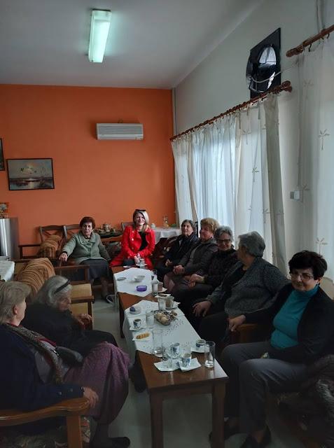 Βιργινία Στεργίου: Επίσκεψη στο ΚΑΠΗ Πελασγίας
