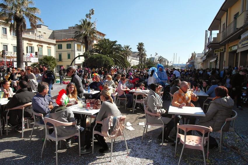 Karnawał w Viareggio - zobacz pełną relację! Gdzie się bawić na karnawał we Włoszech?