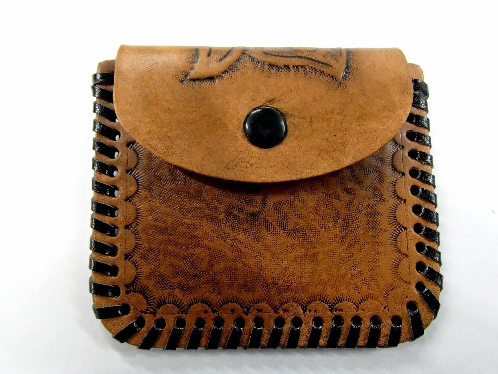 Porte monnaie en cuir vue de face