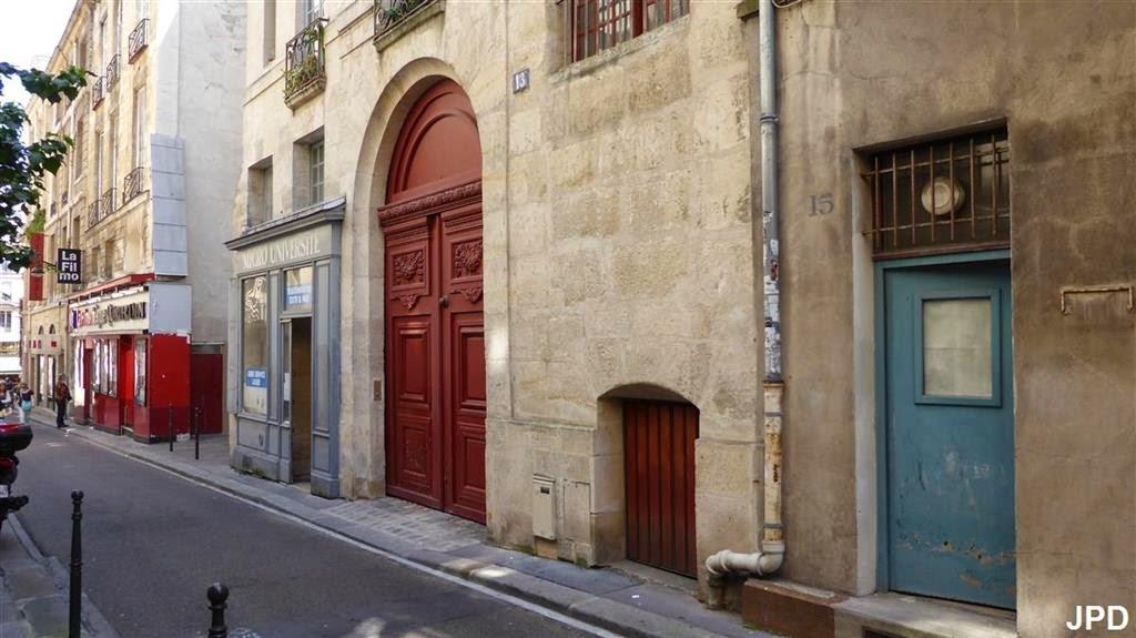 Paris Bise Art Queues De Cochon
