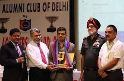 mountainman-rahul-gupta-awarded-ncc-achievers-award-in-delhi