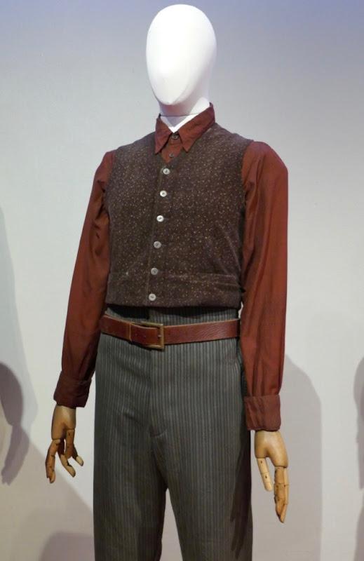 Ezra Miller Fantastic Beasts Grindelwald Credence costume