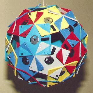 Fantásticas esculturas geométricas - Disk Combobulation