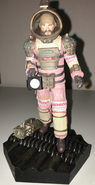 Issue 6 Captain Arthur Dallas Figurine