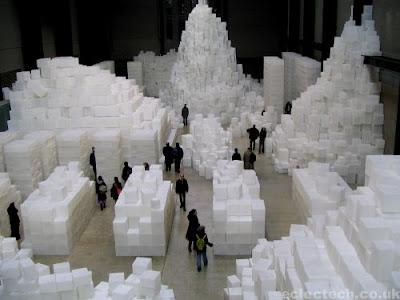 """Résultat de recherche d'images pour """"rachel whiteread embankment 2005"""""""