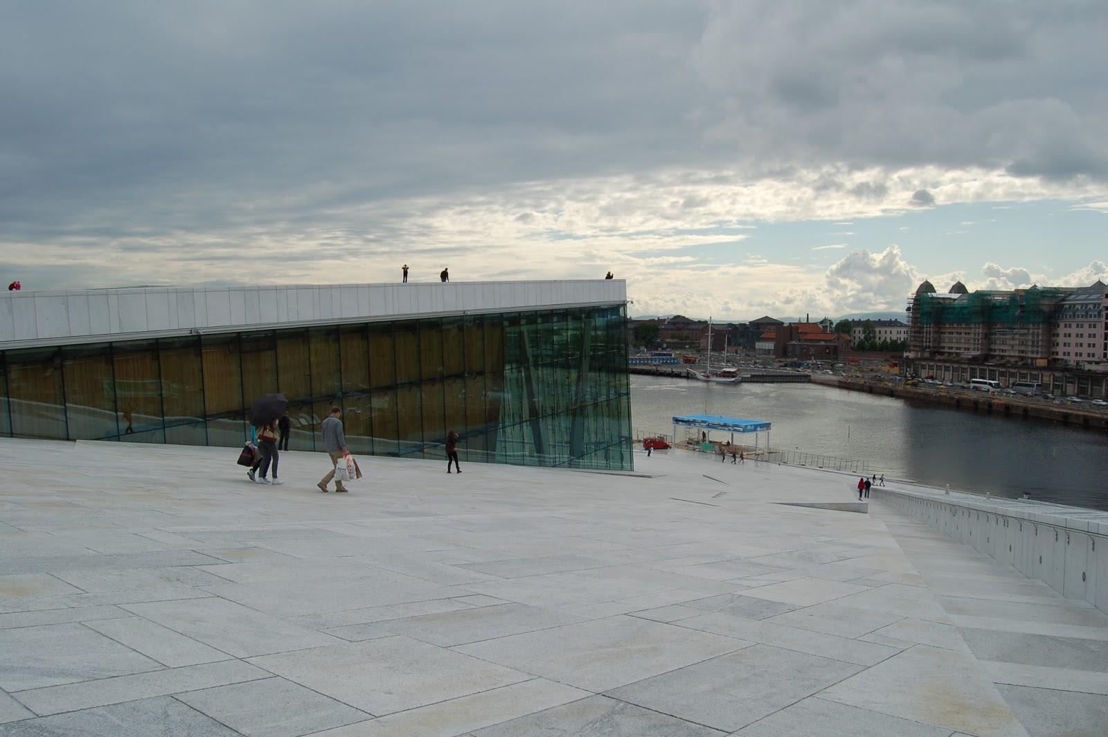 bryła opery w Oslo, Norwegia