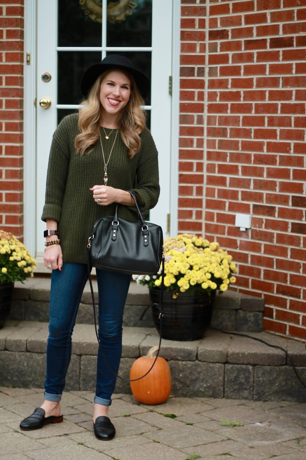 olive sweater, black fedora, ABEO mules, skinny jeans, kate spade black crossbody bag