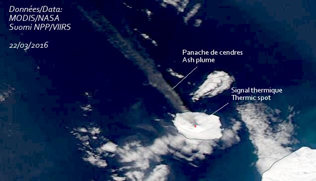 Panache de cendres du volcan Alaid, 22 mars 2016