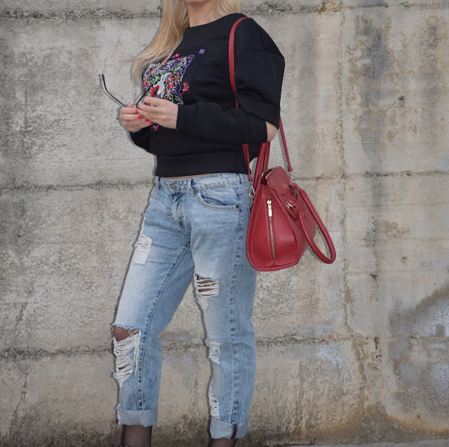 felpa manica cut-out felpa con taglio sulla manica felpa giulia de lellis manica tagliata outfit dicembre outfit invernale casual mariafelicia magno fashion blogger colorblock by felym fashion blog italiani fashion blogger italiane blogger italiane blog di moda web influencer italiane