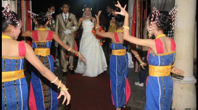 Komunikasi Antarbudaya Pernikahan ala Nusa Tenggara Timur