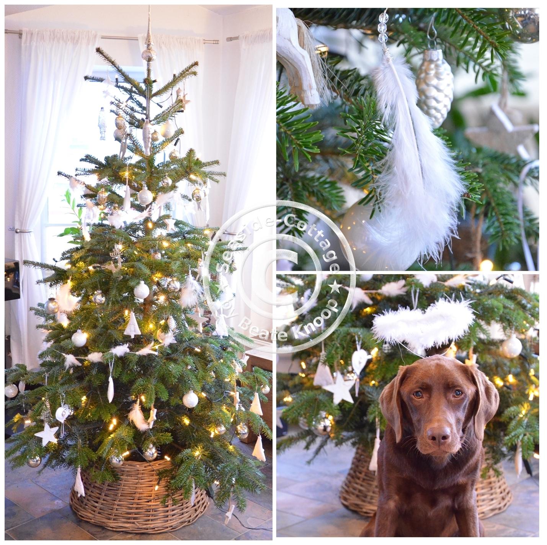 Weihnachtsbaum Natürlich.Unser Tannenbaum Und Ein Weihnachtsschmuck Diy Aus Federn Und Perlen