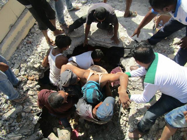 [Foto] Bukti FPI Bikin Ulah di Lokasi Bencana Gempa Aceh