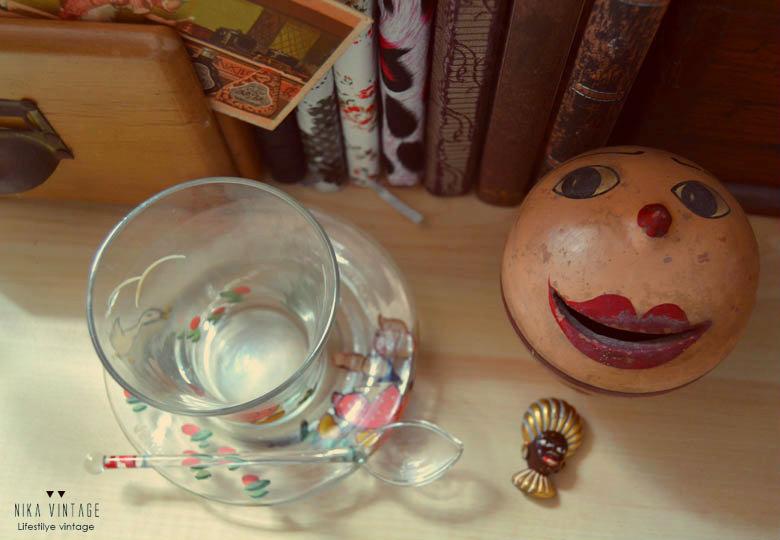 objetos antiguos, decoracion, accesorios decorativos, antiguedades, vintage, loro, gato, san juan niño, hucha clasica,