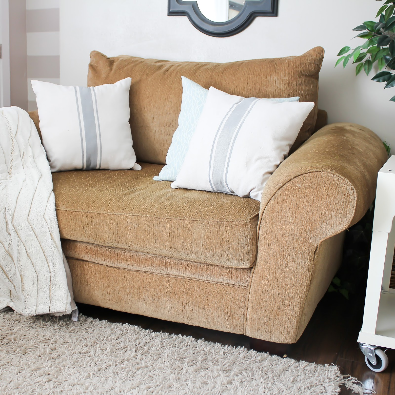 DIY Grain Sack Pillows, easy to make using fabric spray paint!