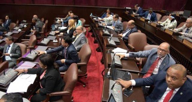 Con el PLD dividido, el PRM tiene la llave para decidir Ley de Partidos