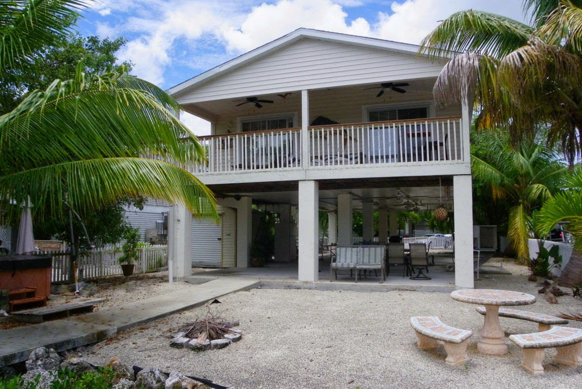 Amazing Real Estate In The Florida Keys Fantastic Deal On A Canal Interior Design Ideas Gresisoteloinfo