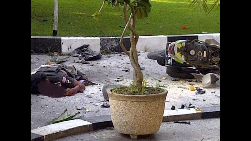 Bom bunuh di Solo yang melukai seorang polisi