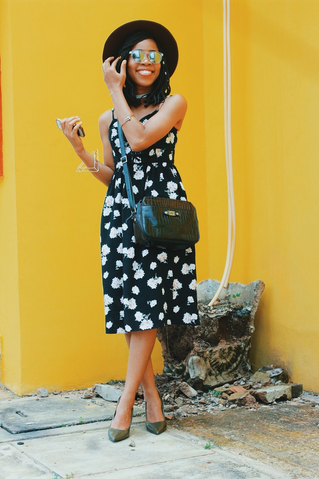HOW TO WEAR FLORAL  BEFORE FALL