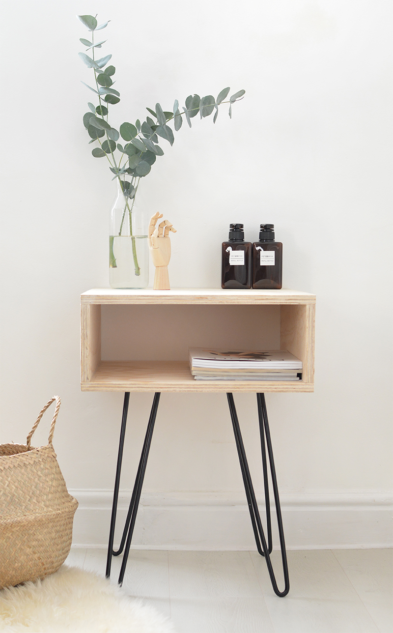 PLYWOOD AND HAIRPIN LEGS