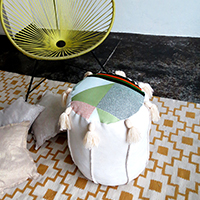 http://www.ohohdeco.com/2015/05/how-to-make-pouf-with-upcycled-materials.html